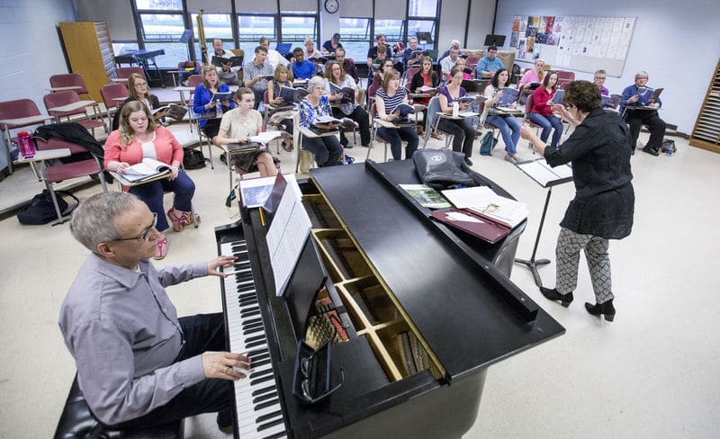 South Bend Chamber Singers observe Holocaust Remembrance Day with concert